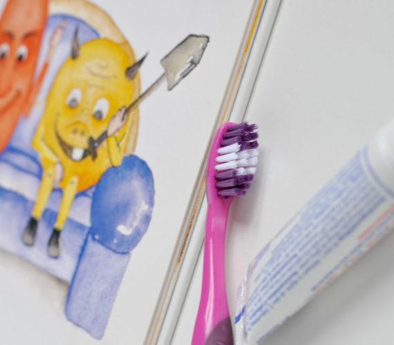 Das erste Mal Kind beim Zahnarzt
