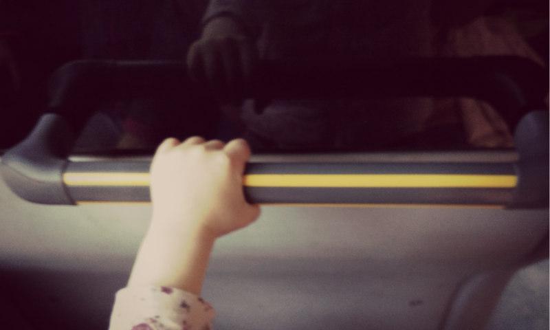 12_busfahrt_kleinkind
